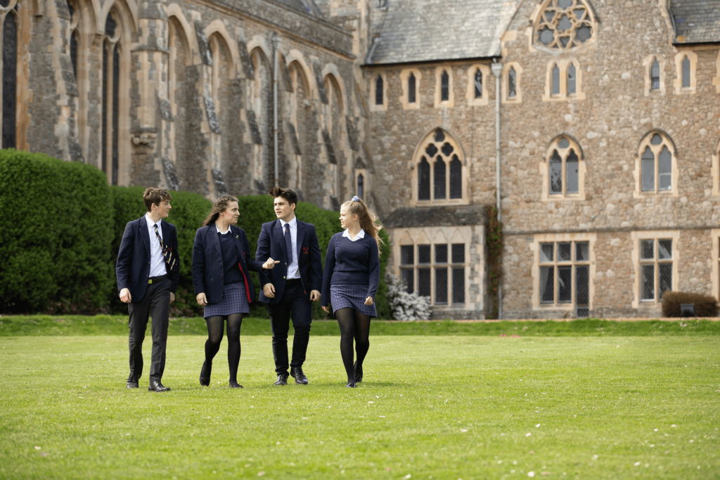 Schüler des St. Edmunds College