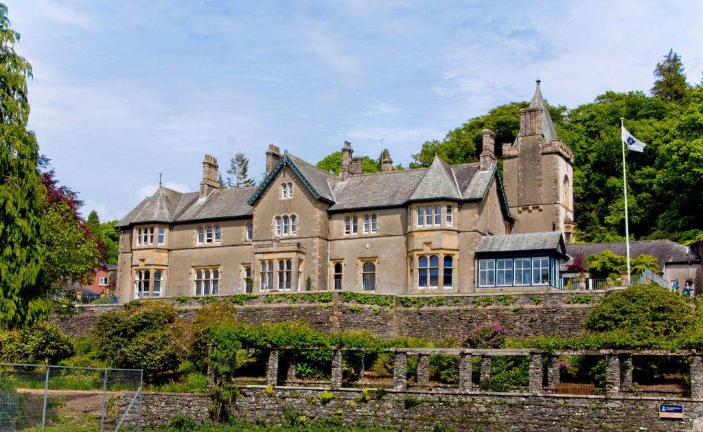 Windermere School Hauptgebäude wird gezeigt – Internate in England