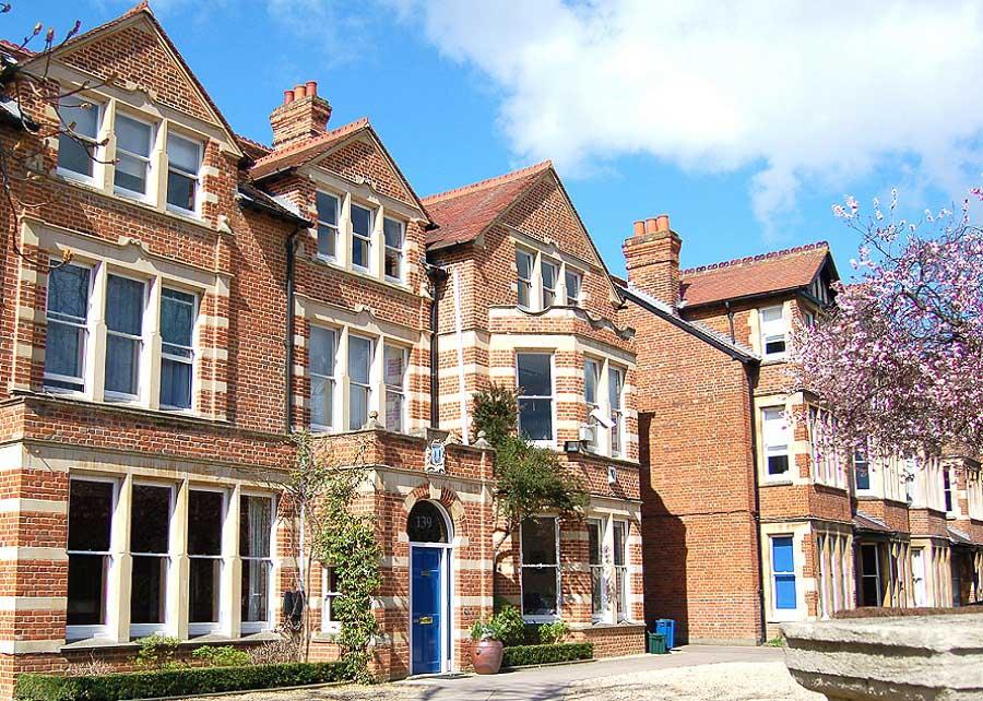 Englische Internate – St Clare's College Oxford